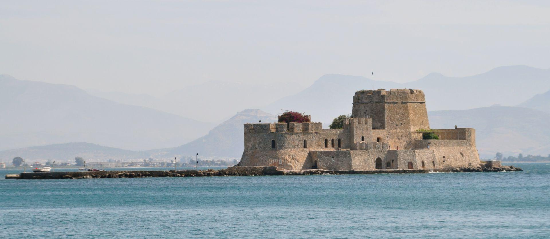 bourdzi-island-fortress-nafplion
