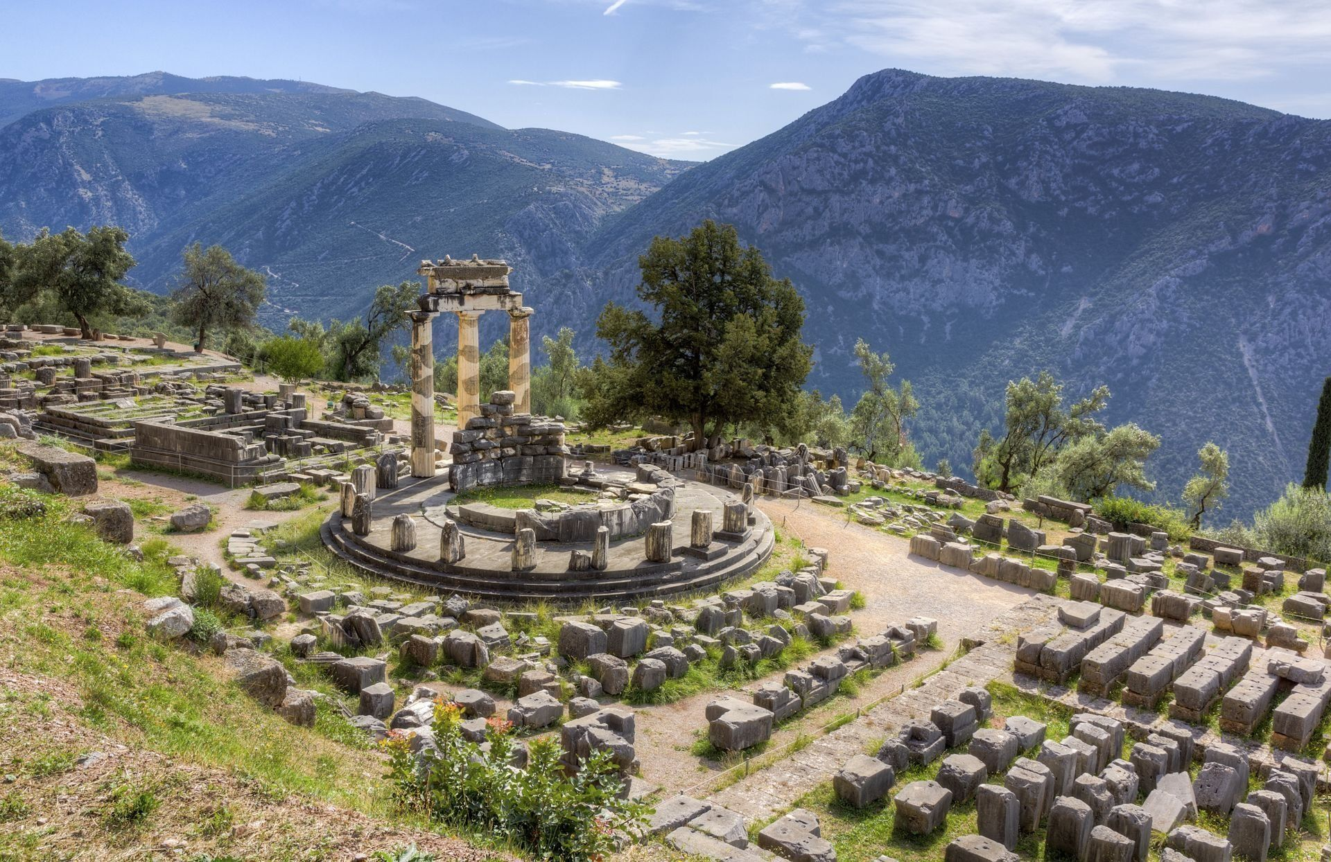 sanctuary-delphi-greece