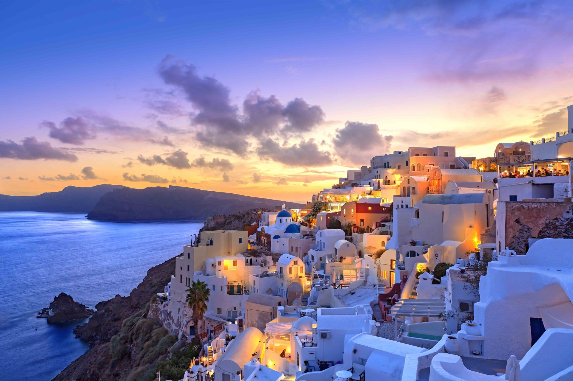 Santorini-sunset-at-dawn-Greece-Sothebys-International-Realty